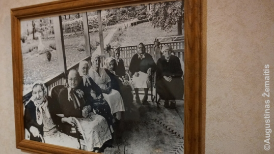 Image of the early nuns at what is now St. Mary villa