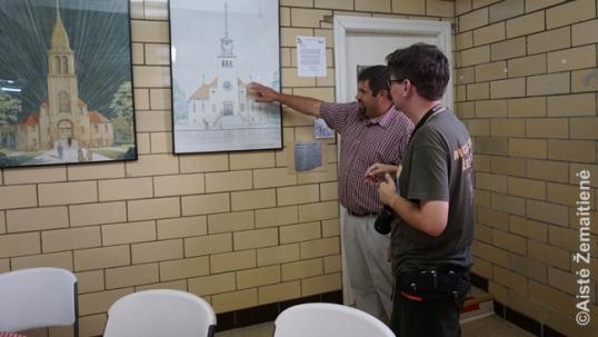 Pranas Dorša rodo originalųjį Rytų Sent Luiso bažnyčios planą