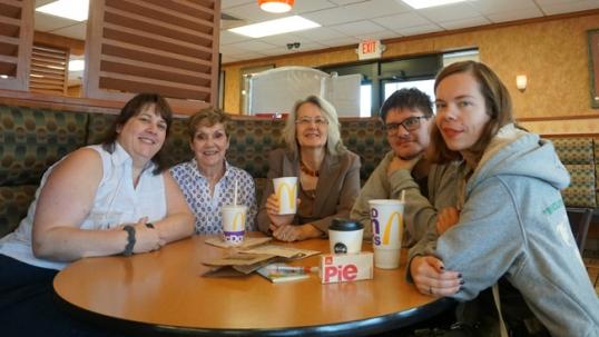 Su Springfildo lietuviais Springildo lietuvio įkurtame McDonald's