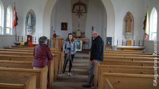 Su Pargauskais Delhajaus lietuvių bažnyčioje