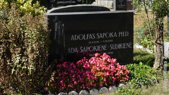 Adolfo Šapokos kapas