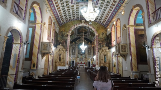 Navickas-created interior of the Piracaia church