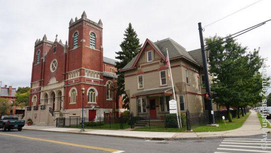 Hartfordo lietuvių bažnyčia ir parapijos namai