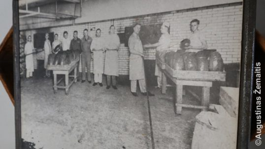 An image of Lithuanian workers of the Brooklyn Bakery before WW2