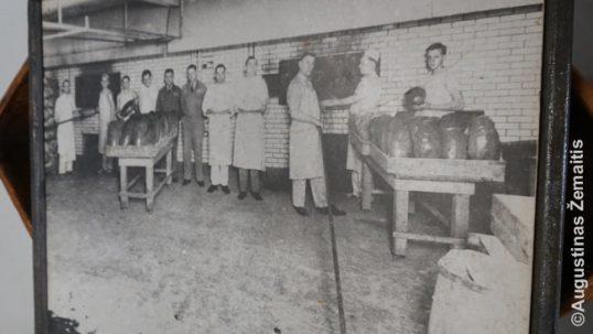 Lietuviai kepėjai Bruklino kepykloje prieš Antrąjį pasaulinį karą (nuotrauka)