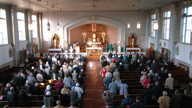 Image of a Lithuanian mass in St. George when it was still open
