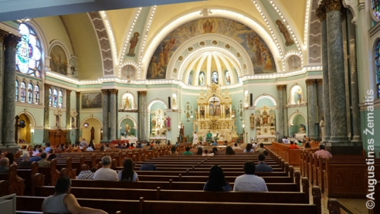 Holy Cross Lithuanian church in Chicago (Back of the Yards) interior