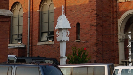 Plastic chapel-post by Jonas Mulokas at the Cicero St. Anthony Lithuanian church