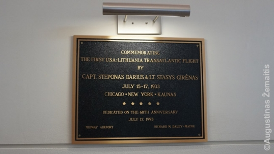 Darius and Girėnas plaque at the Midway airport