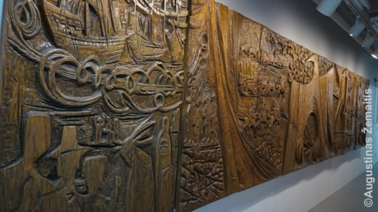 Lithuanian wooden arts at the Lemont museum