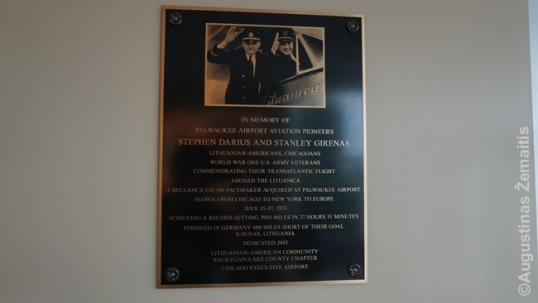 Darius and Girėnas memorial plaque at the Palwaukee airport