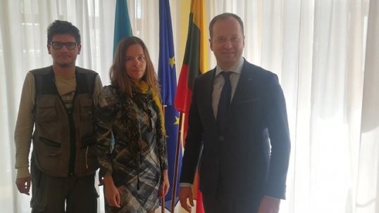 Augustinas Žemaitis and Aistė Žemaitienė of Global True Lithuania in the General consulate of Lithuania in Almaty with Consul general Darius Vitkauskas