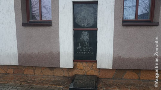 Memorial plaque for the Lithuanian priest