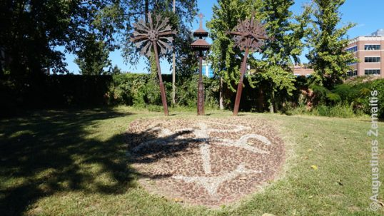Lietuviška skulptūrinė kompozicija Baltimorės Mažosios Lietuvos parke