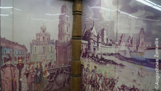 Fragments of the Detroit Lithuanian room murals. Vilnius University on the left, while famous fortifications of Lithuania (Trakai Castle, now-demolished Vilnius fortifications) and the Battle of Žalgiris soldiers are on the right