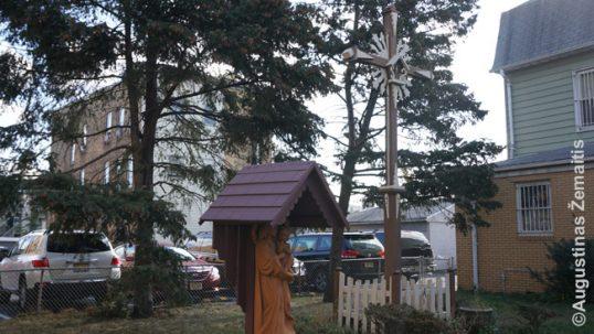 Elizabeto bažnyčios lietuviškasis kryžius