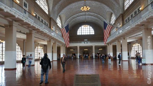 Main hall of the Ellis Island immigration facility, passed by most Lithuanian-American pre-war migrants