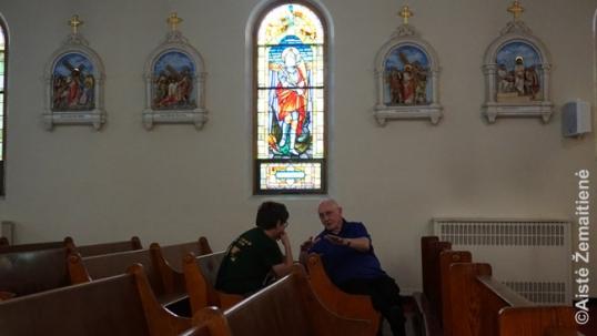 Interviu su P. Goodrich bažnyčioje