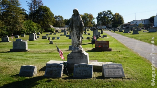Hazleton Lithuanian cemetery