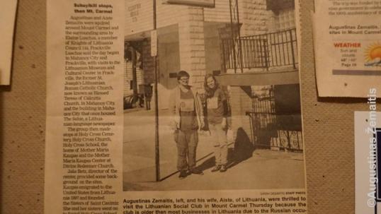 Maunt Karmelio lietuvių klubo priemenėje - ši laikraščio iškarpa su mumis