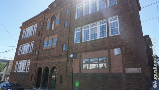 New Philadelphia Lithuanian school