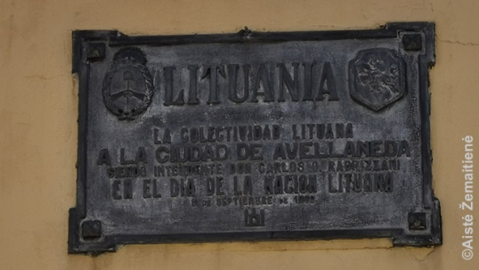 Commemorative plaque of the Lithuanian Alley of Avellaneda