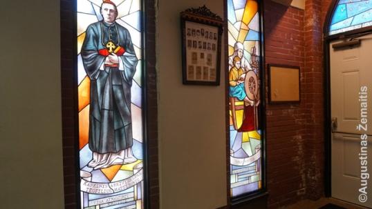 Vitražai Hamiltono lietuvių bažnyčioje