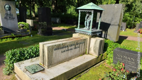 Aukusti Robert Niemi grave in Finland