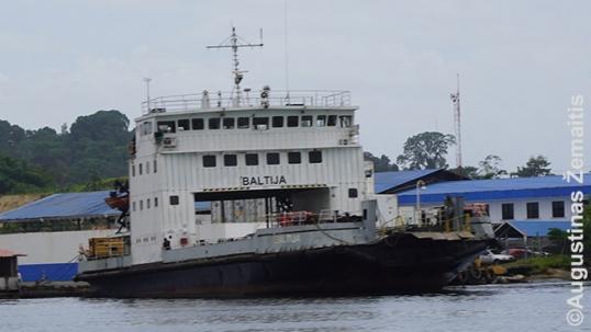 Ferry Baltija in Almirante